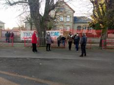 Suite : école maternelle de Toulon sur Arroux complètement bloquée...